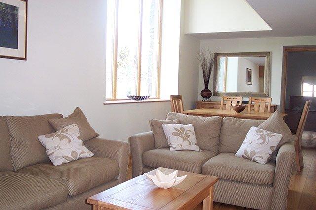 Woodmans holiday Cottage lounge